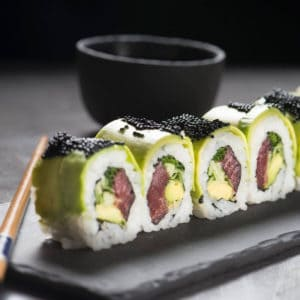 ארוחה יפנית אותנטית וסאקה משובח