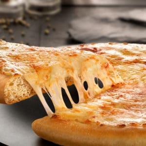 שתי פיצות משפחתיות של פיצה האט