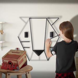 מקרן עץ ליצירה על הקירות בלי להשאיר סימנים