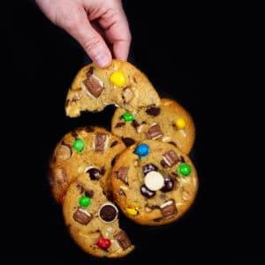 12 עוגיות ״Night Cookie״ במגוון טעמים לאפייה בבית