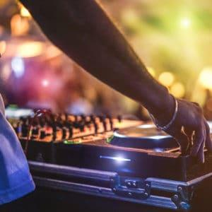 סדנת DJ חווייתית מבית Eskimo