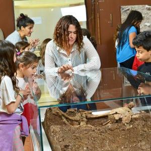ביקור במוזיאון האדם הקדמון