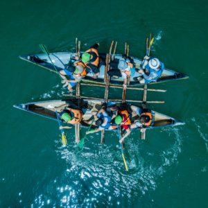 שייט על קאנו אינדיאני בנהר הירדן